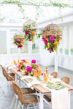 Suspended floral centerpieces for an intimate summer wedding. #summerweddings #weddings #DIY #centerpieces
