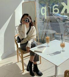 Aesthetic Couple, Korean Aesthetic, Aesthetic Girl, Aesthetic Clothes, Japanese Aesthetic, Beige Aesthetic, Korean Girl Fashion, Ulzzang Fashion, Korea Fashion