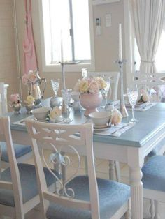 Home Interior Hallway romantic shabby chic white dining table and chairs. with all my heart Comedor Shabby Chic, Cozinha Shabby Chic, Shabby Chic Furniture, Shabby Chic Decor, Painted Furniture, Furniture Design, White Dining Table, Dining Table Chairs, Dining Rooms