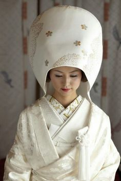 Shiromuku (wedding uchikake, kimono and accessories) - for traditional Shinto weddings in Japan.