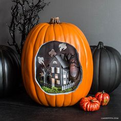 Oh my gosh! How cute is this Halloween Pumpkin Diorama! If only I had time to do this.