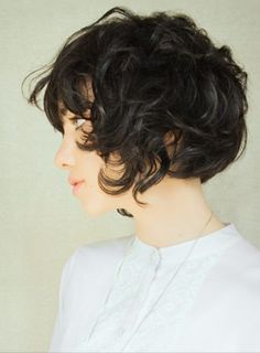 Love this cut for short curly hair - Wish I was brave enough to cut it this short again. I had a straight cut short bob once, and I was too young to really know how to style it properly, let just put it this way, I had triangle hair. Not fun...One day though, it is going to get chopped off & donated again...One day... #newhairresolution