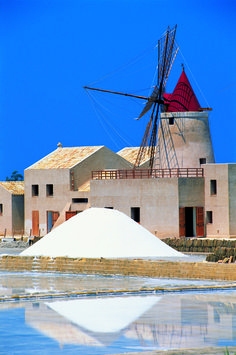#Sea #Salt #Sale Marino di #Trapani production at #Nubia. Ancient receipt of Phoenician people, today in #Sicily is produced maintaining the ancient way of harvesting by hand www.bebtrapanigranveliero.it