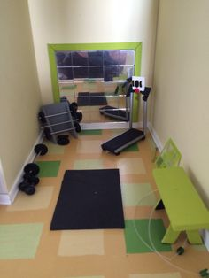 Mini home gym Diy Dollhouse, Dollhouse Miniatures, Doll House For Boys, Extra Rooms, Mini Things, Barbie And Ken, Miniture Things, Doll Accessories, Home Projects