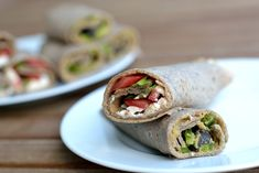 Galettes mit Hummus-Oliven-Füllung (vegan) oder Feta-Tomaten-Füllung