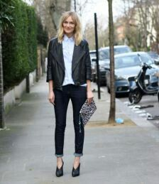 Minimalist outfit: skinny jeans, button up and a leather jacket