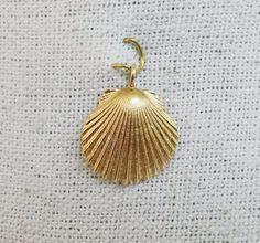 14KT Seashell Shell Pendant Yellow Gold 1.5 Grams #Unbranded #Pendant