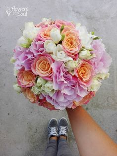 Flowers of Soul: Buchete de mireasa, nasa si cununie civila Beautiful Gifts, Nasa, Wedding Bouquets, Floral Wreath, Wreaths, God, Future, Flowers, Color