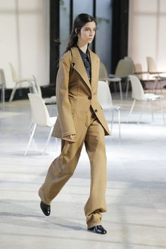 Lemaire | Ready-to-Wear - Spring 2018 | Look 10  /SIMPLICITY/TIMELESSNESS/NEW CLASSICS / AVANTGARDISM/WORKWEAR