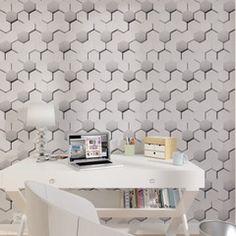 Modernisez votre intérieur avec cet intissé HEXACUIR ! Sa teinte reflet grisé apportera un esprit très contemporain à votre déco.  Réveillez vos sens avec cette imitation cuir et apportez du pep's dans votre quotidien !  Autorisez-vous toutes les folies des designers : effets 3D, jeux de matières et de lumière donnent le ton à la déco. Les gris, blancs, noirs et métallisés s'entrechoquent avec des couleurs vibrantes comme des jaunes énergiques ou des rouges éclatants pour un effet tout en…