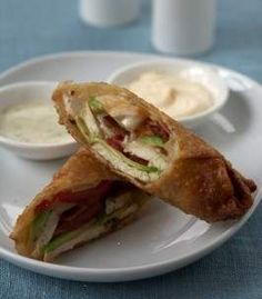 Avocado Club Egg Rolls - Maybe my favorite thing to eat. From The California Pizza Kitchen Family Cookbook Think Food, I Love Food, Food For Thought, Egg Roll Recipes, Great Recipes, Favorite Recipes, Light Recipes, Amazing Recipes, Empanadas