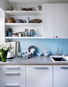 Fotografia de Cozinha com pastilha azul por Ana Camila Vieira #947348.