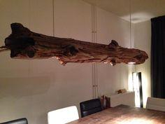 Lamp met spotjes gemaakt van lariks. (Lamp made of wood)