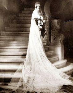 1920s-bride-wedding-dress2.jpg (393×500)
