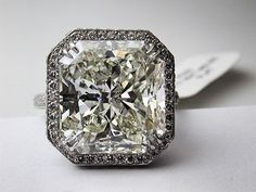 Stunning radiant cut diamond engagement ring in white gold