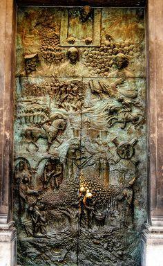 Ljubljana, Slovenia Your holidays in Slovenia! Contact us on Skype: e-growman… Cool Doors, Unique Doors, Knobs And Knockers, Door Knobs, Entrance Doors, Doorway, Porte Cochere, Vintage Doors, Door Gate