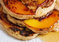 Thinly sliced peaches caramelize as they cook in these delicious, gluten-free, oat and yogurt pancakes. They're peach upside-down pancakes! Peach Pancakes, Oatmeal Pancakes, Pancakes And Waffles, Yogurt Pancakes, What's For Breakfast, Breakfast Recipes, Cookie Kate, Cookie Dough To Eat, Breakfast