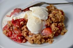 Strawberry Raspberry Crumble Aardbeien frambozen crumble