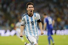 Un grito con furia y desde el alma: Lionel Messi volvió al gol en un Mundial, tras ocho años  Foto:LA NACION           /Fabián Marelli / Enviado especial