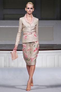 Oscar de la Renta Spring 2011 Ready-to-Wear Collection Photos - Vogue