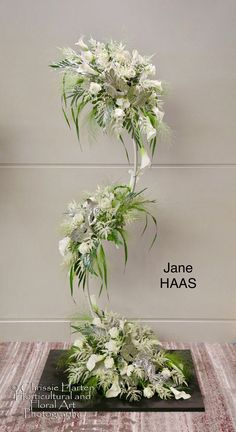 Best 11 Hanging plants, creative ideas for hanging plants indoors and outdoors – indoor outdoor hanging planter ideas – SkillOfKing. Flower Show, Flower Art, Large Flower Arrangements, Church Flowers, Deco Floral, Bridal Flowers, Hanging Plants, Flower Designs, Wedding Decorations