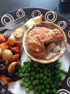 Recipe photo: Easy chicken and mushroom pie