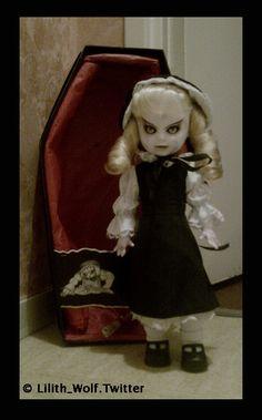 Living Dead Dolls - Series 8 - Hollow