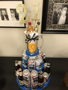 Beer cake for birthday! Guys 21st Birthday, 21st Birthday Cakes, Birthday Ideas, Beer Tower, 27 Years Old, Diy Gifts, Rebel, Centerpieces, Presents