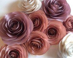 Big Paper Flowers, Paper Flower Decor, Flower Wall Decor, Paper Roses, Flower Decorations, Arch Flowers, Diy Flowers, Wall Paper Decor, Nursery Wall Decor