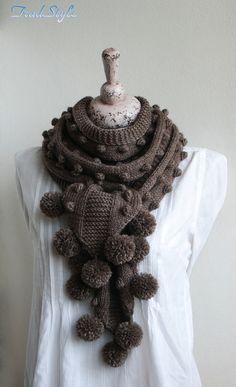 La longueur totale de l'écharpe (avec pom-poms), environ 2,5 mètres de long et 18-20 cm....omg I'm in love, this is Gorgeous