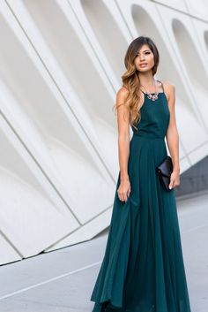 The stunning flow and backless cut of this dress is completely irresistible. We're just as obsessed with the bold forest green color as we are of the elegant flowy skirt. Cute Maxi Dress, Floral Maxi Dress, Dress Up, Flowy Skirt, Flowy Long Dress, Dress Formal, Formal Wear, Forest Green Bridesmaid Dresses, Affordable Bridesmaid Dresses