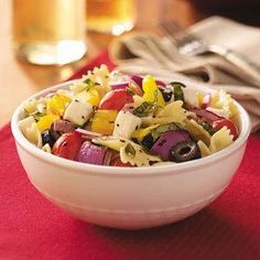 Italian Basil Pasta Salad Recipe- Recipes Ready for a big bite of summertime? Pass around this garden-fresh pasta salad. I'd suggest serving it at your next dinner party, potluck or luncheon. Potluck Recipes, Cooking Recipes, Healthy Recipes, Potluck Dishes, Diabetic Recipes, Summer Recipes, Cooking Tips, Salad Bar, Soup And Salad