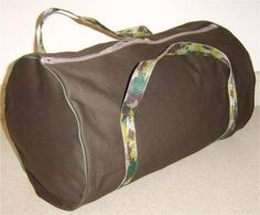Sew a Duffel Bag: I don't know what happened to my old one, but I could really use a new duffel bag for weekend trips. I'd probably make the hand hold a little longer and look into the making of a shoulder strap, but this tutorial is great and easy for the bag basis.