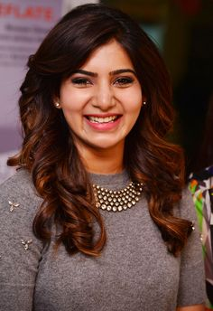 If celebrities change their hairstyle, they'll surely conquer the fashion headlines and make the paparazzi rave. The popular actress Samantha Ruth has Blonde Ombre Hair, Samantha Images, Samantha Ruth, Most Beautiful Indian Actress, Beautiful Actresses, Grey Balayage, Fashion Designer, Fashion Week, Women's Fashion