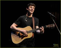 SHAWN MENDES !
