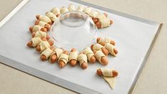 This easy mini sausage wreath comes together in minutes, then usually disappears just as quickly. Christmas Apps, Christmas Eve Dinner, Christmas Party Food, Christmas Appetizers, Christmas Decorations To Make, Crescent Dogs, Cocktail Sausages, Pillsbury Recipes, Recipes Appetizers And Snacks