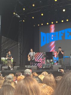 Watching Forever in Your Mind perform at Digi Fest