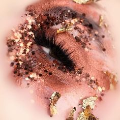 As another interesting trademark, his eye snapshots always reveal a half-opened lid– being mysterious, maybe? Whatever the reason, his narrowed eye works compositionally to keep our attention focused on the surrounding imagery and makeup. So, bravo all around! More: http://blog.furlesscosmetics.com/official-glitter-pig/ #makeup #eyeshadow #glitter #eyeshadow