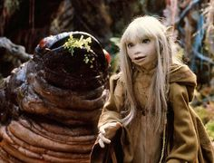 Kira with a Nebrie in the Dark Crystal. Fantasy Films, Fantasy Fiction, Sci Fi Fantasy, Dark Crystal Movie, The Dark Crystal, Jim Henson, Brian Froud, World Of Fantasy, Fantasy Costumes