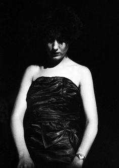 Gillian Gilbert, Factory Records, Peter Saville, Ian Curtis, Joy Division, Alternative Music, Post Punk, Photo Look, Elegant Woman