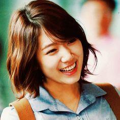 Heartstrings. Park Shin Hye with short hair. =)