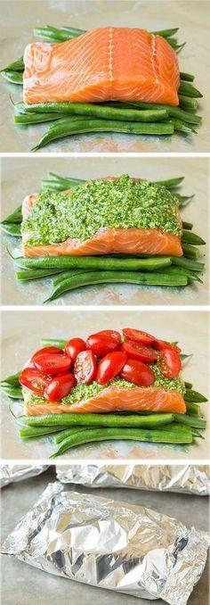 Pesto Salmon and Italian Veggies in Foil #paleodinner