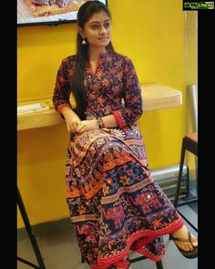 Ammu Abhirami sit hd new actress Asuran Movie Actress Ammu Abirami Latest HD Photo Collections Beautiful Girl Photo, Cute Girl Photo, Beautiful Girl Indian, Most Beautiful Indian Actress, Actress Feet, Indian Girl Bikini, School Girl Dress, Stylish Girl Images, Bollywood Actress Hot