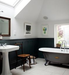 In this modern era, the small bathroom with clawfoot tub presence will be one of the centerpieces in the bathroom. Clawfoot tub dimensions for mid century bathroom decor. Black Wainscoting, Painted Wainscoting, Wainscoting Styles, Wainscoting Panels, Bad Inspiration, Bathroom Inspiration, Furniture Inspiration, Interior Inspiration, Upstairs Bathrooms
