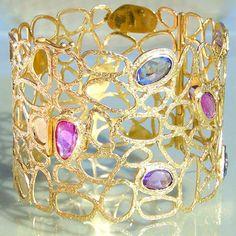 18k Gold Sapphire Cuff Bracelet