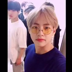 "a story in which taehyung tries to get over jungkook after he disappeared --- lowercase is intended ¡Please read ""Send Nudes"" first or this story will make no sense at all! also there will be texts Bts Jungkook, Kim Taehyung, Kpop Gifs, Kpop Memes, Foto Bts, Btob, K Pop, V And Jin, V Bts Cute"