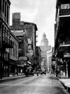 Hibernia Bank Building. New Orleans, 1927    photo by E.O. Hoppé