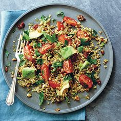 Serves 4 INGREDIENTS:100 g freekeh (a cracked, roasted green wheat)1 ripe avocadofreshly squeezed juice of 1/2 lemon 12 cherry tomatoes, quartered2 sun-dried tomatoes in oil, chopped1 spring onion, finely chopped2 tablespoons argan oil (or walnut oil)