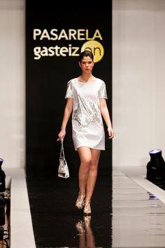 Pasarela GasteizOn, Marzo 2013. Shirt Dress, T Shirt, Dresses For Work, Stars, Fashion, March, Walkway, Spring Summer, Feminine