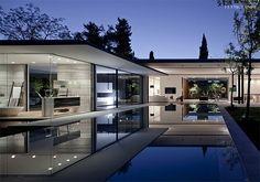 The Phenomenal Float House | Pitsou Kedem Architects | http://www.ifitshipitshere.com/the-float-house-pitsou-kedem-architects/